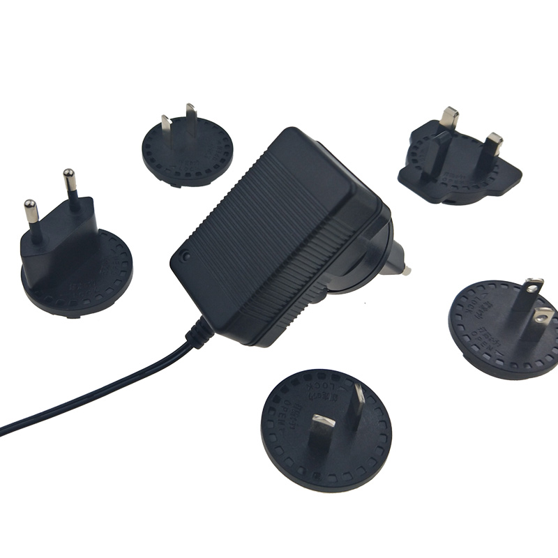 18v-0.7a-interchangeable-plug.jpg